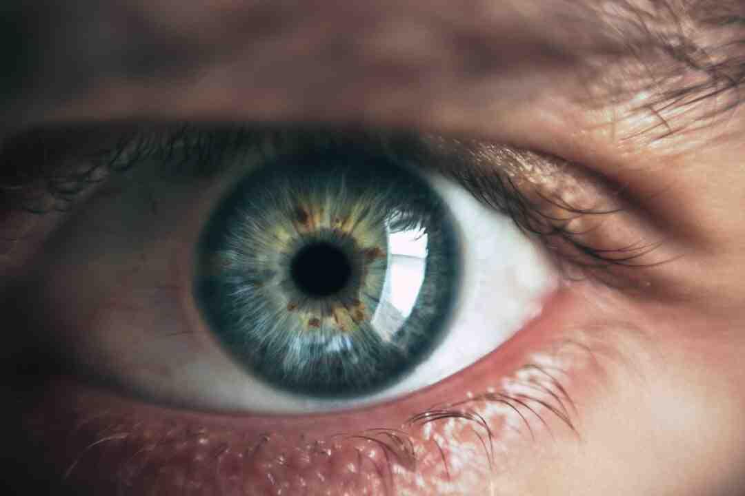 Comment se démaquiller les yeux